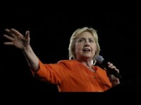 Clinton distorts the leanings of economist Mark Zandi