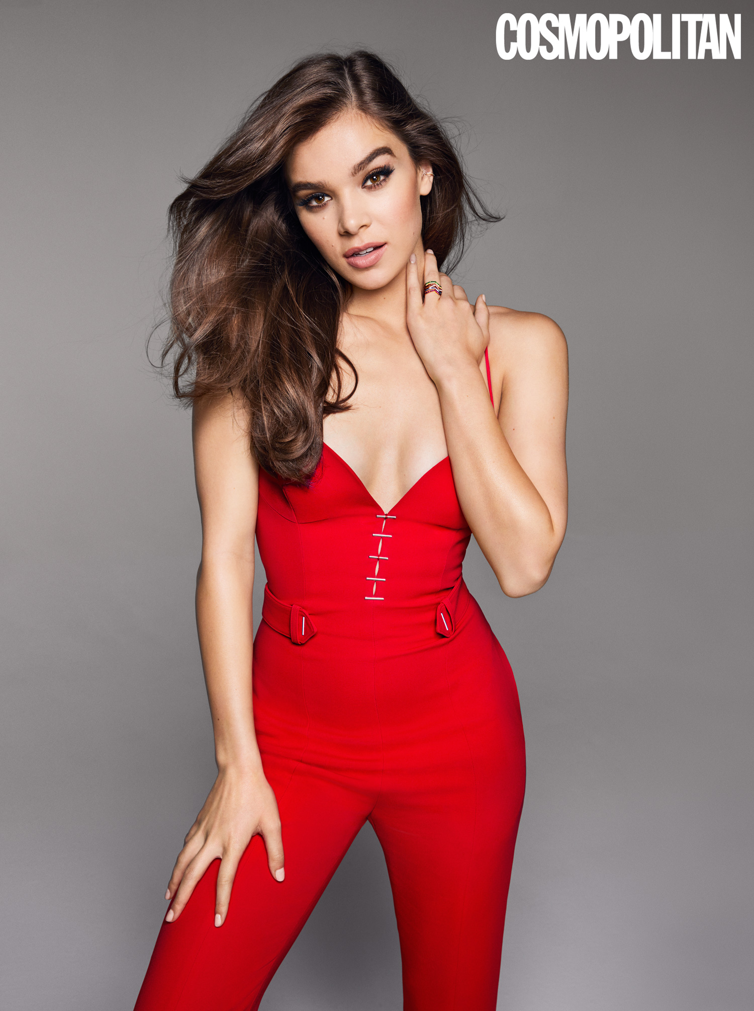 Hailee Steinfeld >> Hailee Steinfeld Recalls Her Disappointing First Kiss And Who